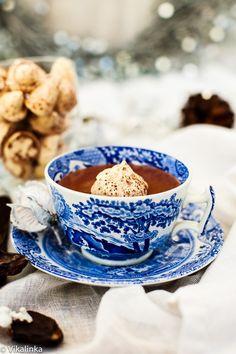 Italian Hot Chocolate with Floating Meringue Kiss