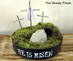 """The Shady Porch: """"Resurrecting"""" Easter Projects Easter Projects, Easter Crafts, Easter Ideas, Easter Decor, Hoppy Easter, Easter Eggs, Easter Flower Arrangements, Easter Centerpiece, Resurrection Day"""