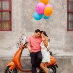 Sesión de compromiso, e-session, urbana, pareja, Urban, Pre-boda, pre-wedding, vespa, Engagement session,  balloon, globos