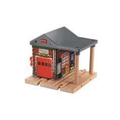 Your little one can help Thomas and his friends (sold separately) with emergencies, whether that means putting out fires or rescuing kitties from trees, with the Fisher-Price Sodor Fire Station.