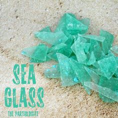 How about this for a unique mermaid party favor: homemade sea glass candy! Yes – this is edible sea glass. Kim of The Partiologist is the creative talent who came up with this idea. She made a simple hard candy, colored it . Mermaid Baby Showers, Baby Mermaid, Baby Shower Mermaid Theme, Mermaid Under The Sea, Under The Sea Party, Fete Emma, Mermaid Party Favors, Beach Party Favors, Wedding Favors