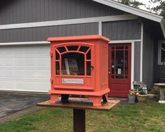 This #LittleFreeLibrary charter 100667 in South Lake Tahoe, California, is an old wood-burning stove! Genius! Little Free Libraries, Little Library, Free Library, Library Ideas, Country Song Quotes, Country Girl Problems, South Lake Tahoe, Diy Home Crafts, Diy Home Improvement