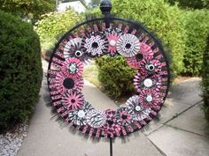 Paper Flowers, Pink Flowers, Paper Rosettes, Easy Fall Wreaths, Spring Wreaths, Easter Wreaths, Fran Fine, Tulle Wreath, Burlap Wreath
