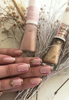 Manicure de Sucesso - Unhas Decoradas 2017 in 2020 Grunge Nails, Swag Nails, Bride Nails, Manicure Y Pedicure, Nail Patterns, Classy Nails, Beautiful Nail Designs, Creative Nails, French Nails