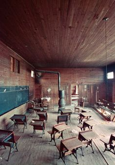 black classroom, shady grove alabama photos by Gordon Parks Gordon Parks, Abandoned Buildings, Abandoned Places, Old School House, School Days, School Life, Park Photography, Inspiring Photography, Abandoned Homes