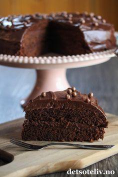 Frosting, Baking, Desserts, Cakes, Food, Deserts, Tailgate Desserts, Cake Makers, Cake Glaze