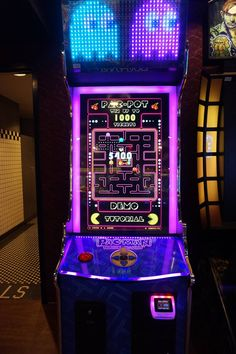 #‎CurrysAtCES‬ #LasVegas #vegas #america #casino #highroller #states #USA #CES2016 #lights #city #arcade #pacman #nerd #geek #retro #gaming #game