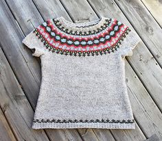 Of course I'll probably all long sleeves. Fair Isle Knitting, Free Knitting, Baby Knitting, Knit Vest Pattern, Knitting Patterns, Crochet Pattern, Free Pattern, Brei Baby, Icelandic Sweaters
