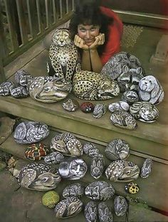 Lynn Welford started my love of rock painting with her books.Patterns and instructions for painting animals on rocks Rock Painting Patterns, Rock Painting Ideas Easy, Rock Painting Designs, Pebble Painting, Pebble Art, Stone Painting, Painted Rock Animals, Hand Painted Rocks, Painted Stones