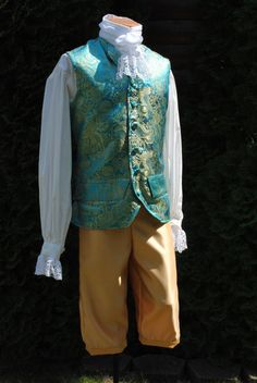 CUSTOM Colonial Century Rococo Mens Frockcoat Evening dress outfit includes breeches, waistcoat/vest and shirt Looks Party, Ella Enchanted, 18th Century Costume, Rococo Fashion, Royal Clothing, 18th Century Fashion, Pleated Fabric, Mens Fashion, Fashion Outfits