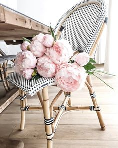 Find images and videos about flowers, bouquet and peonies on We Heart It - the app to get lost in what you love. My Flower, Fresh Flowers, Beautiful Flowers, Pink Flowers, Cactus Flower, Exotic Flowers, Yellow Roses, Pink Roses, Pale Pink