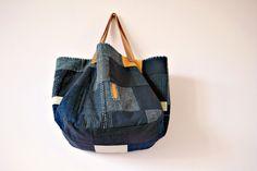 Bolso grande de indigo en telas antiguas japonesas reciclado