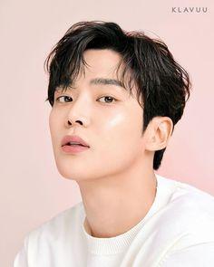 Creative Instagram Stories, Instagram Story, Neoz School, Handsome Korean Actors, Chani Sf9, Male Makeup, Bts Backgrounds, Tsundere, Tumblr Photography