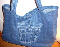 Denim Shopping Tote 25 Recycled Denim Purses and Bags Tutorials Made From Jeans Diy Jeans, Jeans Refashion, Tote Bags For School, Crossover Bags, Denim Purse, Denim Crafts, Denim Shoulder Bags, Recycled Denim, Purses And Bags