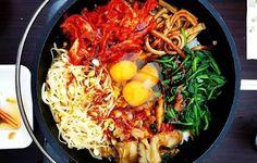 Thai Recipes, Healthy Recipes, Thai Noodles, Quorn, Stir Fry, Paella, Fries, Spaghetti, Vegetarian