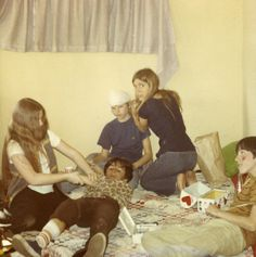 """carriefisherarchive:""""""""Carrie Fisher with friends on the MGM backlot, """" Carrie Fisher Young, Carrie Fisher Family, Carrie Frances Fisher, Star Wars Cast, Debbie Reynolds, Princess Leia, Beautiful Person, Carry On, Actors"""