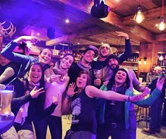 The weekend is almost here lets share great vibes together! #gogogo #restolabaraque #apero #livemusic #huitres #tapas #friends #party #cocktails #restolabaraque #valdisere #espaceKilly