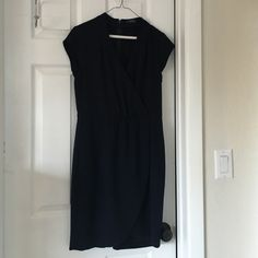 Navy dress, The Limited size 4 EUC, wore a few times to work in the summer. Very flattering, especially with pumps. Can be worn with or without a blazer. The Limited Dresses Midi
