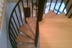 Wood Tread-to-Tread Spiral Staircase - SPS24