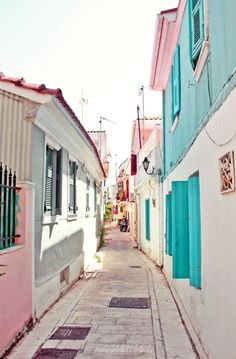 turquoise + pink street in Greece