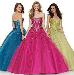 Vestidos de 15 años en colores intensos