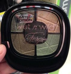 Wet n Wild Fergie Centerstage Photo Focus eyeshadow palette in Mixing Metals from the summer 2014 limited edition collection