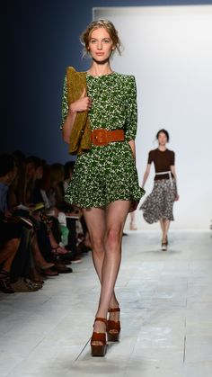 Loving the green. nice long sleeve with a flirty skirt. Spring 2014, Cloths, Florals, Belts, Runway, Classy, Michael Kors, Style Inspiration, Nice