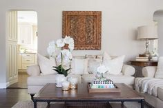 Traditional Living Room photo by Jeanne Campana Design