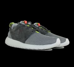 huge discount 29dad 8f75d Nike Roshe Run Dusty Grey - 511881-009 Nike Roshe Run, Sneaker, Sneakers