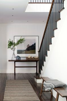 5 Modern Homes by New York Architecture Firm Deborah Berke Partners : From a minimalist Hamptons home to a revamp, these homes by Deborah Berke showcase her ability to balance modernity with warmth Decor, Home Decor Inspiration, Interior, Home, Top Interior Design Firms, Modern House, Foyer Decorating, Modern Interior Design, Modern Interior