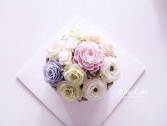 Buttercream flower Cake&Class Student's work💜 Class 👉🏻 Line : yunaflower2 Email: yunaflower2@naver.com #buttercreamflower#cake#flower#buttercake#cakedecorating#buttercream#baking#flowercake#bakingclass#cakedecorator#cakedesign#wiltoncakes#weddingcake#cupcakes#flowers#buttercreamcake#edibleart#bouquet#specialcake#buttercreamfrosting#customcakes#cakes#birthdaycake#koreanbuttercream#cakeart#cakeporn#wilton#버터크림#버터크림플라워케이크#꽃스타그램