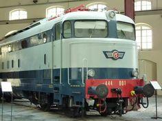 FS  E444.001 Tartaruga record di velocità conservata al museo di Pietrarsa