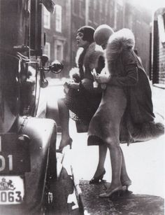 1920s.  can i give you a lift, dolls?