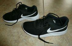 brand new 0baea 5ae3b Kids Nike Tanjun GS Black White Athletic Shoes Size 7 Y - Only worn 1