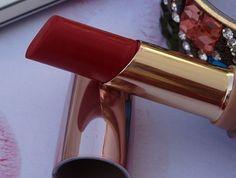 5 Best Lakme Lipstick Shades for Fair Skin Indian girls 3