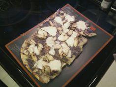 Grilled Chicken Pesto w/Fresh Mozzarella Pizza