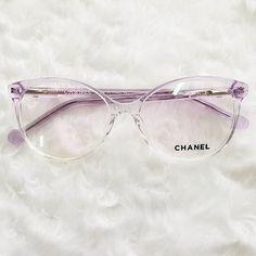ideas for prescription glasses Clear Glasses Frames Women, Cat Eye Sunglasses, Sunglasses Women, Lunette Style, Mode Chanel, Cool Glasses, Fashion Eye Glasses, Sunglass Frames, Eyeglasses