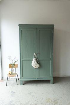 Small Space Interior Design, Shop Interior Design, Room Interior, Interior Design Living Room, Vintage Furniture, Painted Furniture, Blue Green Bedrooms, Anthropologie Home, Loft Design