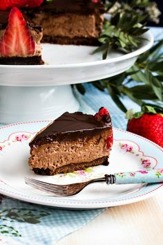 Glutenfreie Erdbeer-Schokomousse Torte - Sasibella Dairy Free Recipes, Gluten Free, Spring Recipes, Low Carb Desserts, Diy Food, Cupcakes, Free Food, Sweets, Angels
