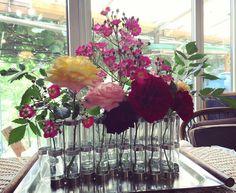 ついに庭の花だけで完成⍢⃝💐 #tsetseassociees #vasedavril #rose #hpdeco #4月の花器