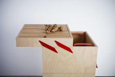 Ole' is a minimalist design created by Italy-based designer Valentina Carretta. The design is a wheeled cart in plywood, available in two different heights. The highest is dedicated to the kitchen, equipped with extractable cutting board, structure for garbage bag, drawer and open shelf. The smaller hides a convenient storage compartment. (2)