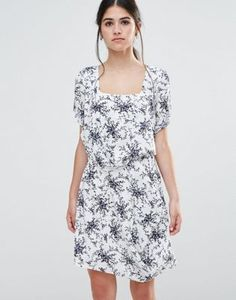 Traffic People Less Is Less Dress In Spring Floral Dress