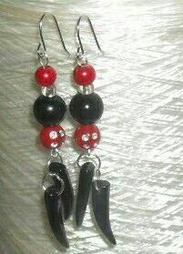 Sieh dir dieses Produkt an in meinem Etsy-Shop https://www.etsy.com/de/listing/513082157/steampunk-schwarz-rot-unikat-ohrringe