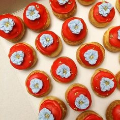 Love these petit choux!! Like the little flowers on top- easy way to incorporate…
