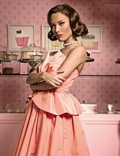plastik magazine / (b B) Retro Photography, Fashion Photography, Retro Housewife, Vintage Room, Domestic Goddess, Everything Pink, Pin Up Girls, Pretty In Pink, Editorial Fashion