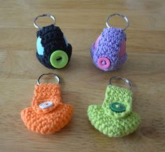 Keychain EOS Lip Balm Holder ~ $$ pattern. [For personal inspiration only... looks easy enough.]