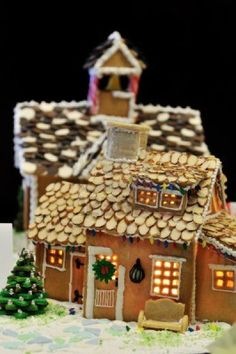 Absolutely Fab!   Gingerbread house with almond flake roof Stock Photo - 3974596