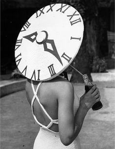 Elsa Schiaparelli, Ansel Adams, Belle Epoque, 1930s Fashion, Vintage Fashion, Crazy Hats, Dolce Gabbana, Italian Fashion Designers, Face Design