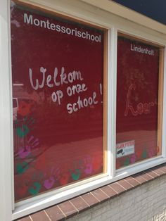 Welkom op onze school! Raamschildering: Leer mij het zelf te doen. By Janske en Joy!
