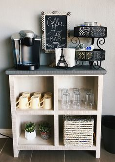 Self-service Coffee and Tea Bar - Decoration Trends 2019 - . -Salon Self-service Coffee and Tea Bar - Decoration Trends 2019 - . Home Beauty Salon, Home Hair Salons, Hair Salon Interior, Beauty Salon Decor, In Home Salon, Nail Salon Design, Interior Design Books, Interior Design Pictures, Studio Interior